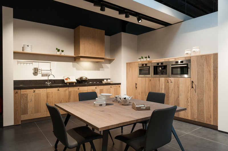 Einde Witte Keuken : Fineer keukenfronten assortiment keukens deba meubelen